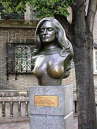 Bust of singer Dalida Montmartre Paris France.JPG