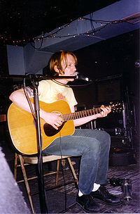 Elliott Smith live 1997.jpg