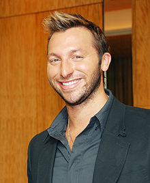 Ian Thorpe with a smile.jpg
